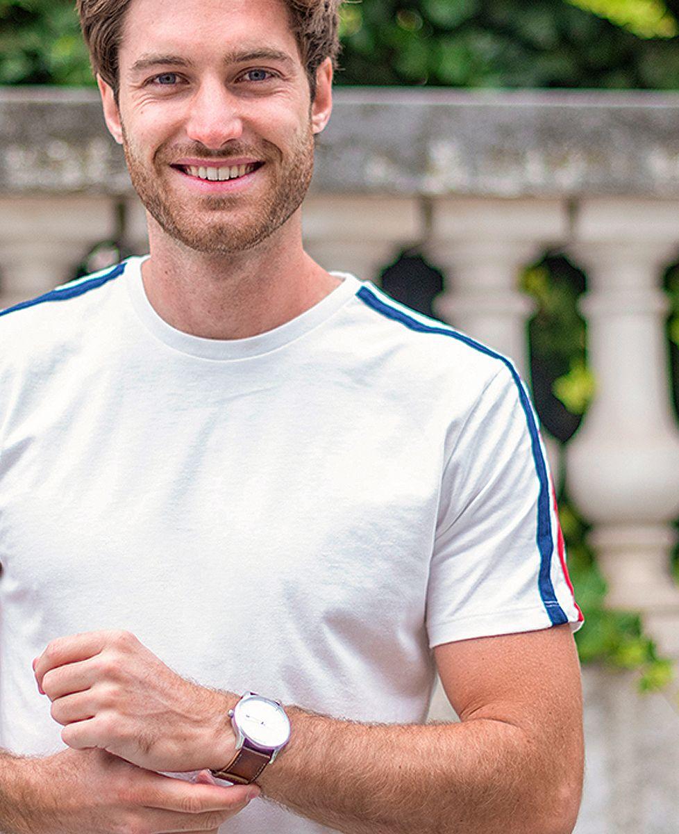 T-shirt homme recyclé Filgood Filgood petit coeur brodé personnalisé