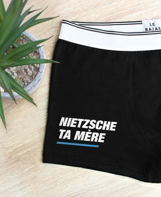Boxer Nietzsche ta mère
