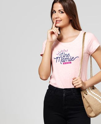 T-Shirt femme Une mamie qui défonce