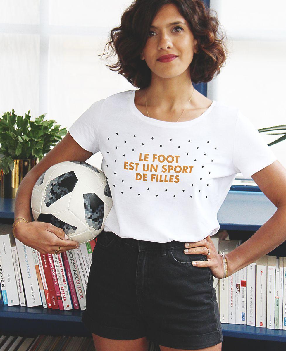 T-Shirt femme Le foot est un sport de filles