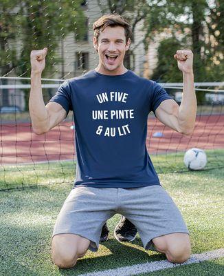 T-shirt sport homme Un five, une pinte & au lit
