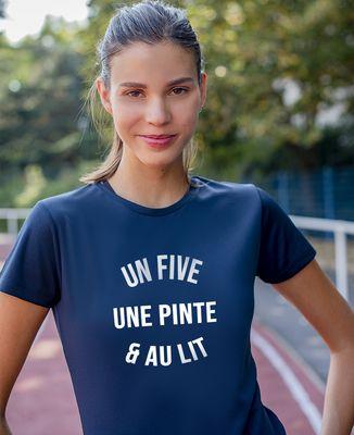 T-shirt sport femme Un five, une pinte & au lit