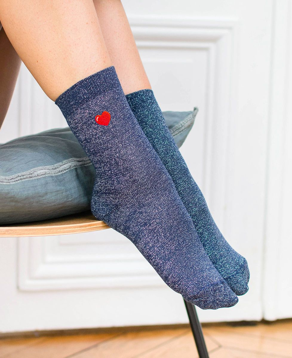 Coffret Je t'aime (brodée à l'avant) + Chaussettes paillettes bleues coeur (brodé)